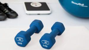 2 vežbe za stomak i noge