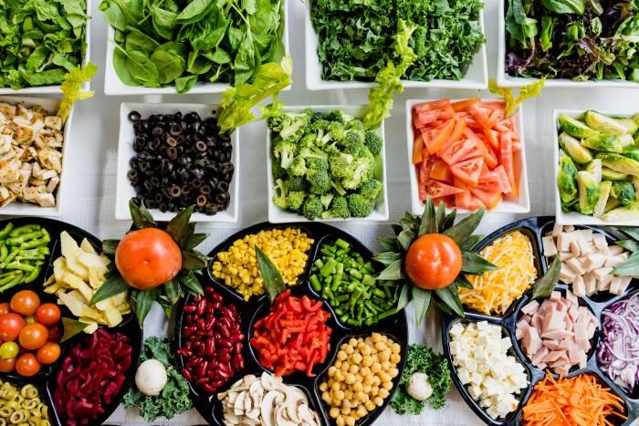 voće-i-povrće-na-pijaci-izvor-minerala