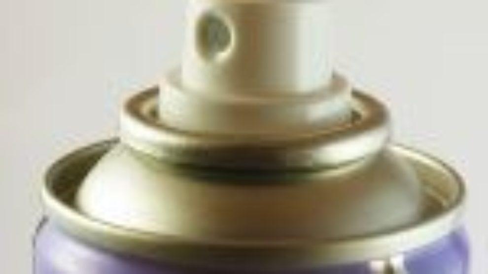 Kako ukloniti fleke od dezodoransa
