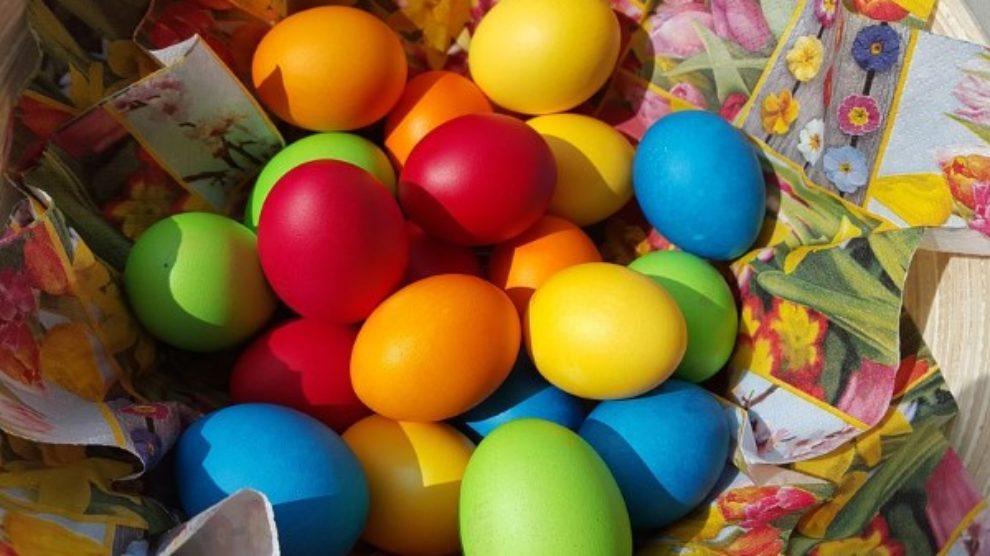 Farbanje jaja sa decom