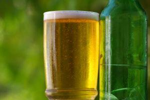 penušavo pivo