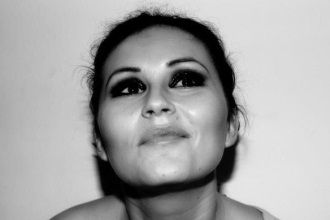 Miljana Stojanović – kad ekonomista šminka