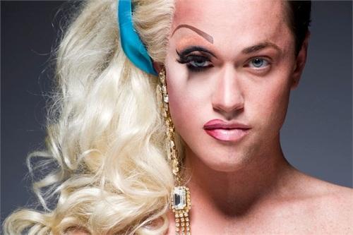 kako izgleda transvestit
