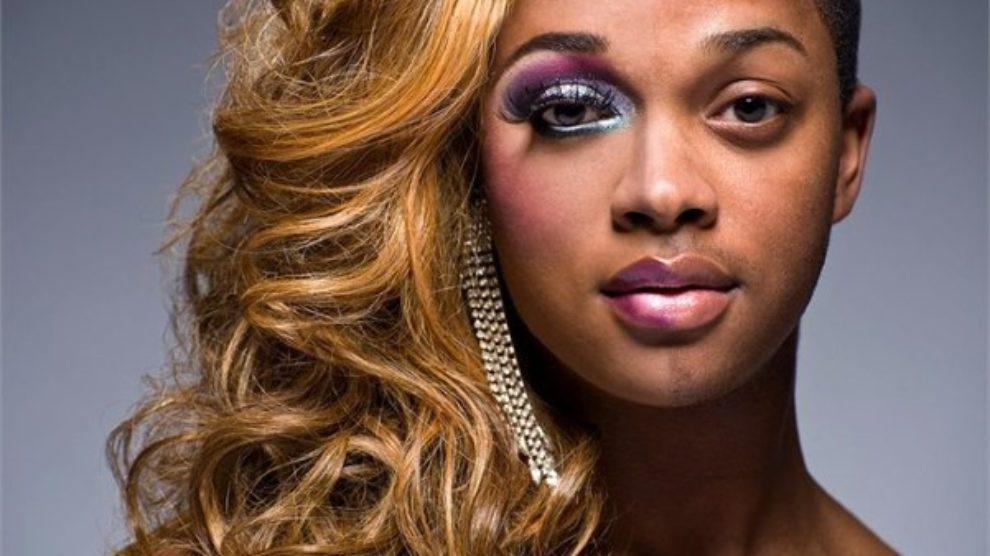 Fotke transvestita sa i bez sminke