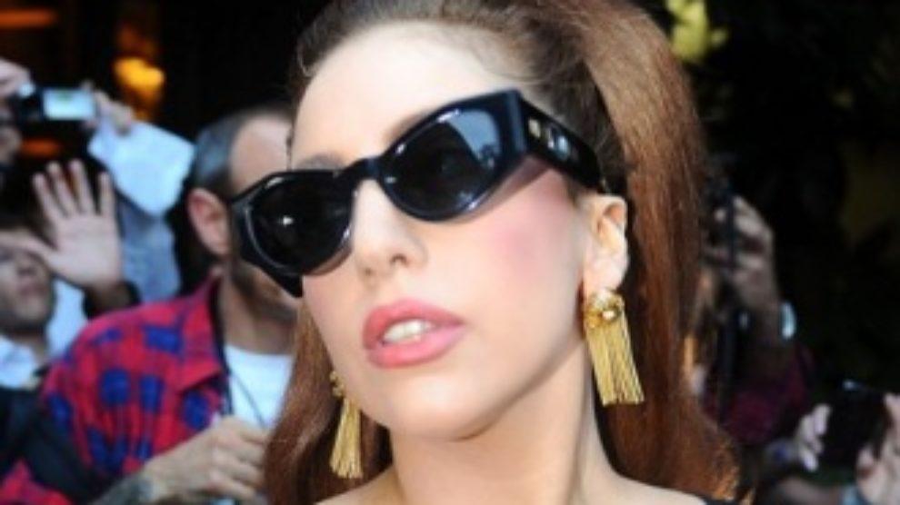 Lady Gaga u vintage Versace haljini