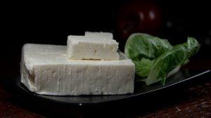 Marinirani feta sir