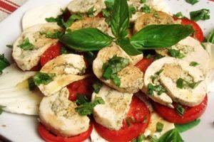 Pileca Caprese salata