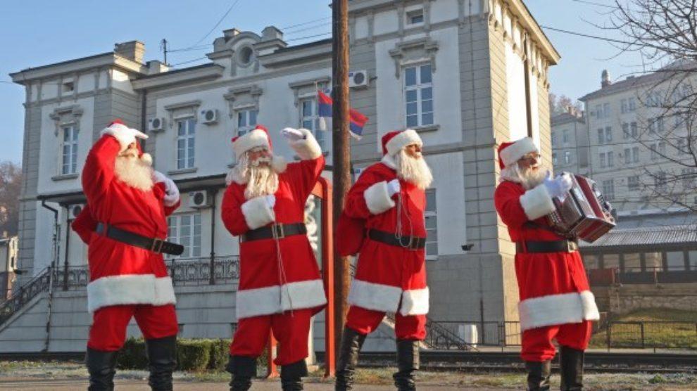 Grand kafa Deda Mrazovi