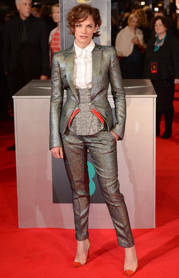 bafta 2014 moda sa crvenog tepiha