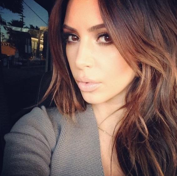 kim_kardashian_ponovo_brineta_v