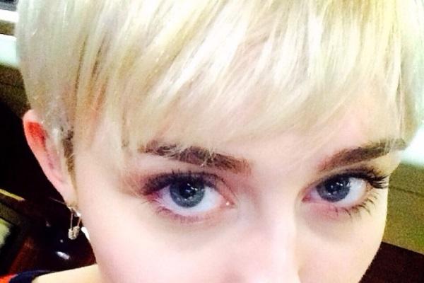Nova tetovaža Miley Cyrus će vas šokirati!