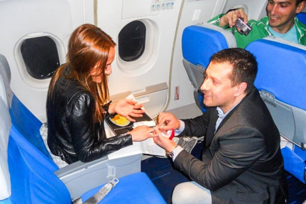 prosidba_u_avionu_air_serbia_v