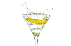 6_razloga_da_pijete_vodu_sa_limunom_m