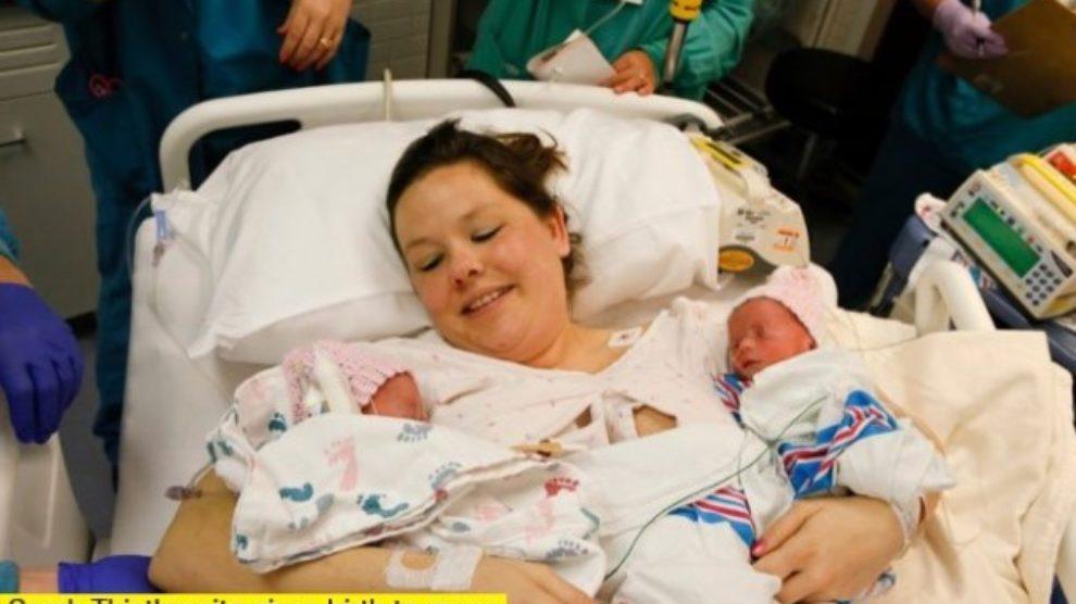 Lepota prirode: blizanci rođeni držeći se za ruke!