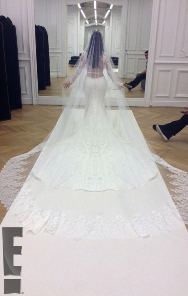 prve_slike_sa_venčanja_kim_kardashian_i_kanye_westa_v2