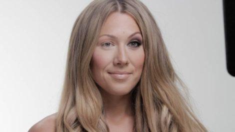 Poznata pevačica u borbi protiv Photoshopa!