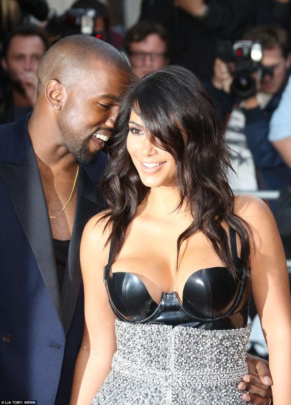 kim_kardashian_žena_godine_magazina_gq_v1