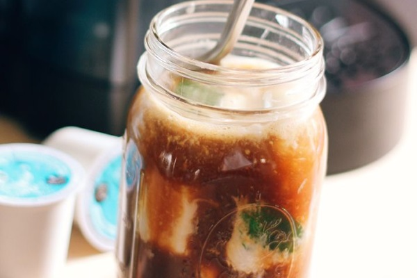 Ledena kafa sa kokosovim mlekom