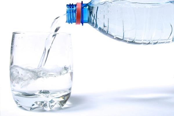 Ovo se dešava telu bez vode [INFOGRAFIK]