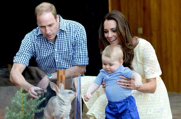 Stiže još jedna kraljevska beba: Kejt Midlton se upravo porađa!