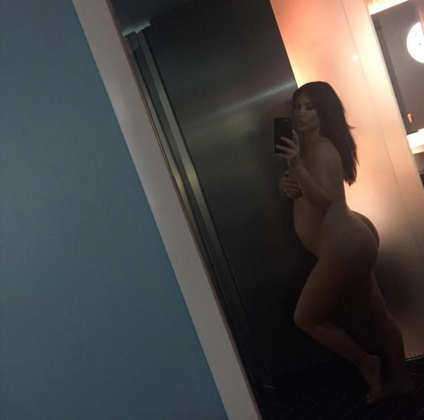 kim_kardashian_ponovo_gola_v