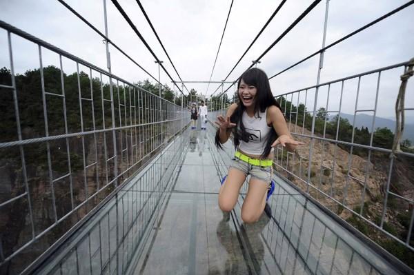 najveći_stakleni_most_na_svetu_v