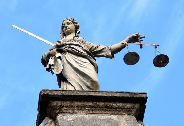 Ovako izgleda pravda širom sveta!