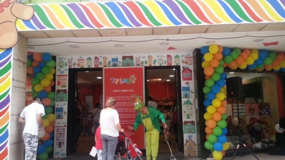 Svet igračaka za naše mališane – Ofy Toy Land