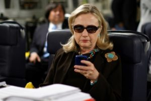 Hillary Clinton maske za Noć veštica