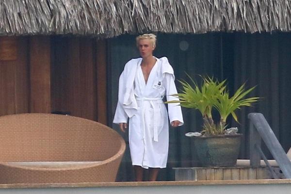 Slike golog Justina Biebera preplavile internet!