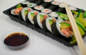 kako-se-jede-sushi-m