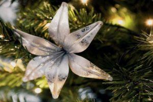 Ideje za cvetnu novogodišnju jelku
