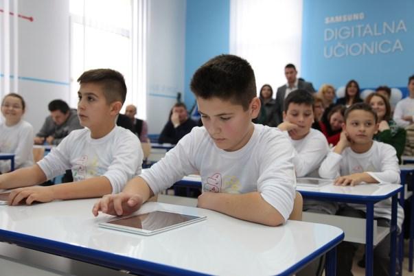 otvorena-peta-digitalna-učionica-u-srbiji-v