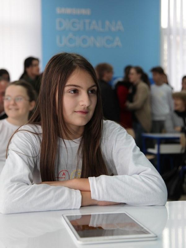 otvorena-peta-digitalna-učionica-u-srbiji-v1