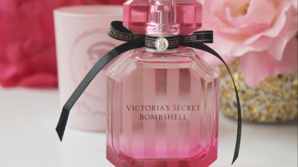 Bombshell parfem rasteruje komarce?