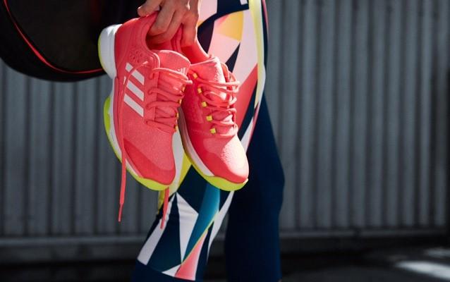 nove-adidas-patike-v3