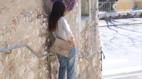 poznata-modna-blogerka-opljačkana-u-francuskoj-m
