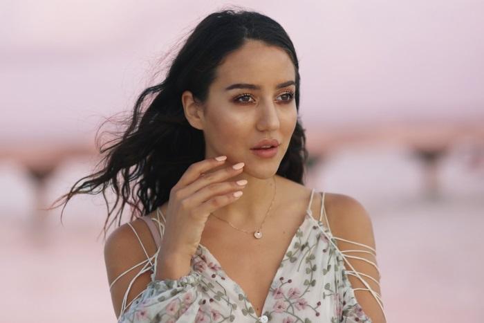 poznata-modna-blogerka-opljačkana-u-francuskoj-v