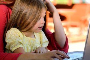 roditeljstvo-u-digitalnom-svetu-m