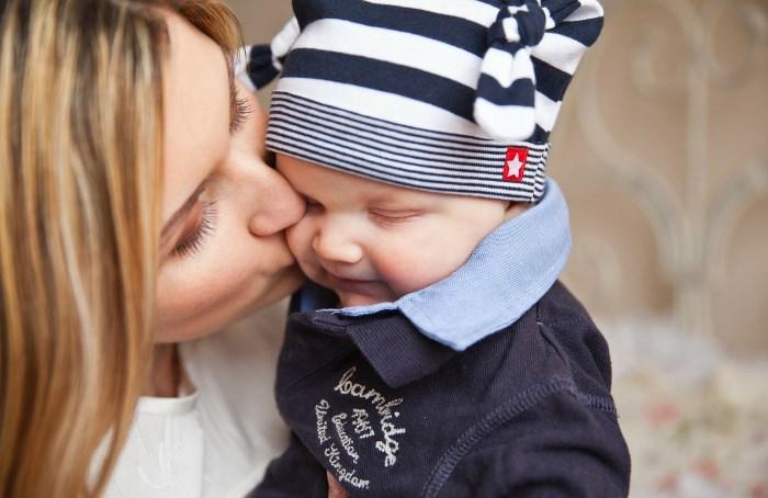 zene-i-majke-a-ne-trudnoline-i-mamice-v