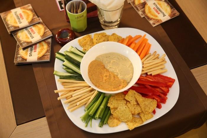 humus-na-domacoj-trpezi-v