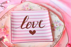 Vodič za Dan zaljubljenih: uradi sama pokloni u minut do