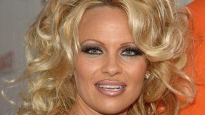 Nekad i sad: Pamela Anderson izgleda bolje nego ikad!