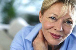 Simptomi menopauze – kako uspešno umanjiti njihovo delovanje?