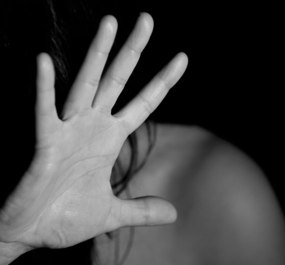 Zašto ćutimo na nasilje? #HONYpriče