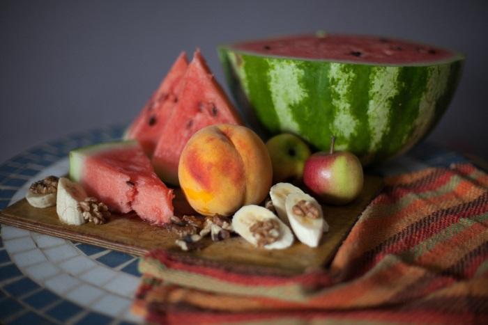 voće na poslužavniku