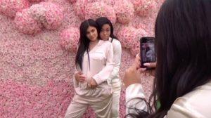 Prva fotka bebe Kylie Jenner!