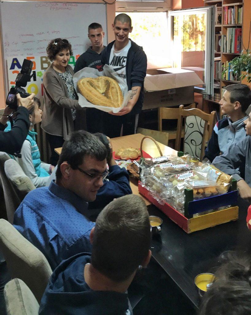 svetski-dan-hleba-don-don-peciva-u-prihvatilištu