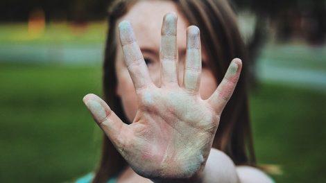 Prepoznaj i prijavi – ovo se smatra seksualnim uznemiravanjem