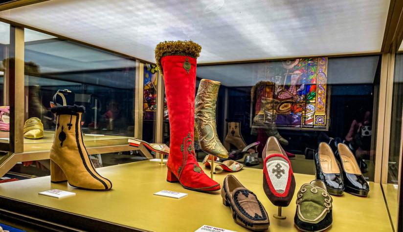 izložba cipela christian louboutin
